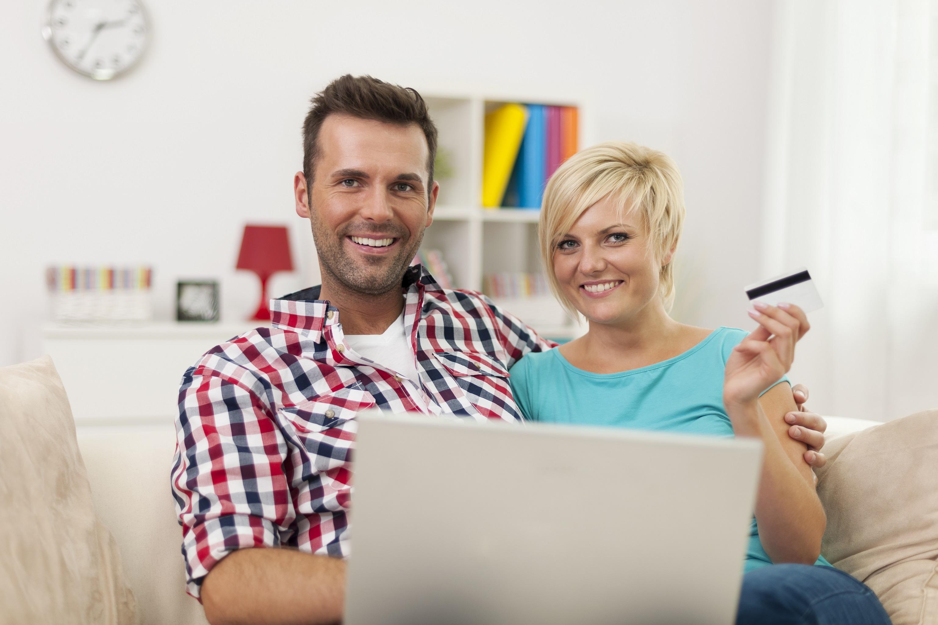 Online harcamalar yüzde 45 arttı.